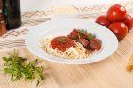 Spaguetti com Almôndegas e Molho ao Sugo